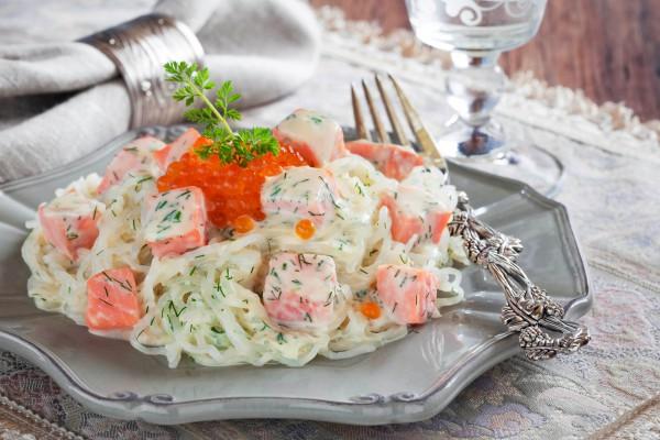 Рецепт                  Лапша с лососем в сливочном соусе