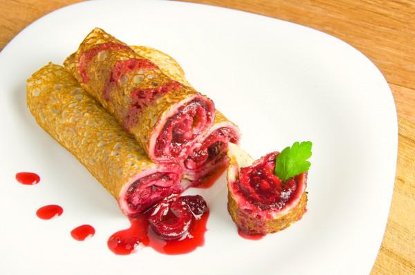 Рецепт                  Блины с вишневой начинкой