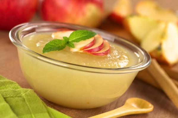 Королевский яблочный мусс: рецепт низкокалорийного десерта