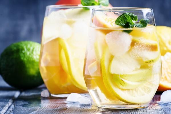 Летний пунш с лимоном и мятой