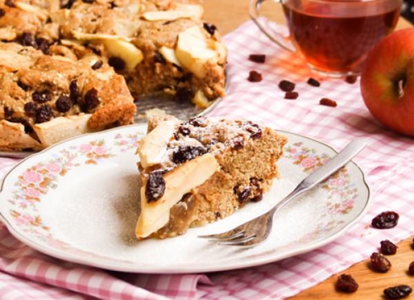Рецепт                  Яблочный пирог с изюмом и орехами