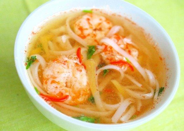 Рецепт                  Пряный суп с креветками и рисовой лапшой
