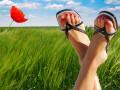 Как бороться с сильной потливостью ног