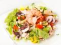 Салат из морепродуктов: ТОП-5 новогодних рецептов