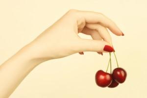 уход за ногтями – это комплекс несложных процедур, которые обязательно должна знать каждая женщина