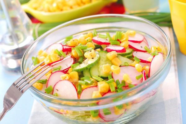Рецепт                  Салат с редиской и кукурузой