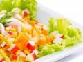 Салат из крабовых палочек с кукурузой и морковью