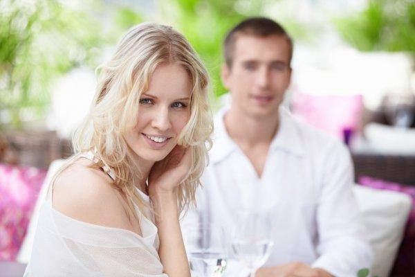 Красивых женщин мужчины любят удивлять и баловать