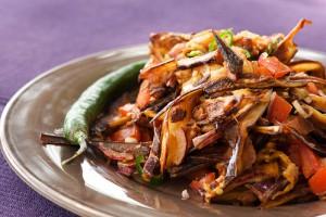 Салат из баклажанов и помидоров в ориентальном стиле