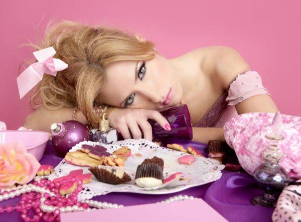 8 марта: Чтобы не испортить фигуру в период праздников, не ходи в гости на голодный желудок