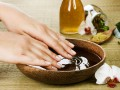 Идеальные ногти: пять укрепляющих ванночек в домашних условиях