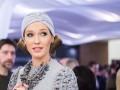 Как уложить волосы под шапку: учись у Кати Осадчей