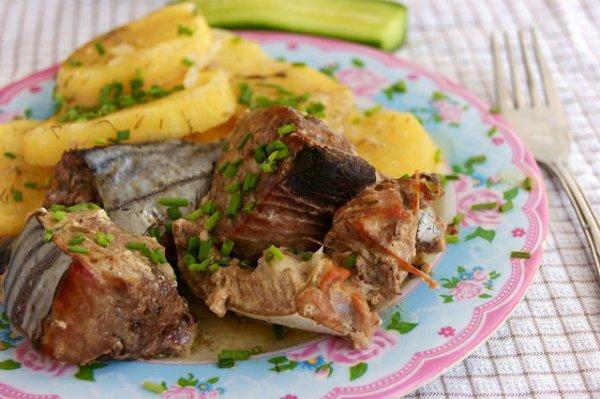 Рецепт                  Рыба, запеченная с картофелем в рукаве