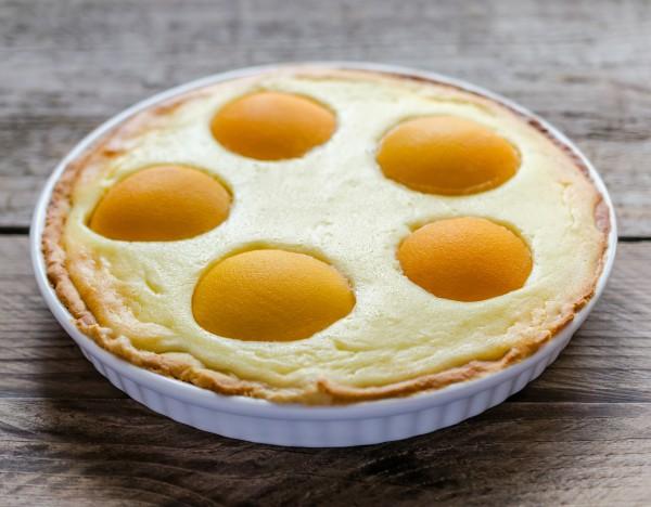 Рецепт                  Пирог с творогом и консервированными персиками