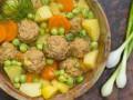 Суп с зеленым горошком и фрикадельками