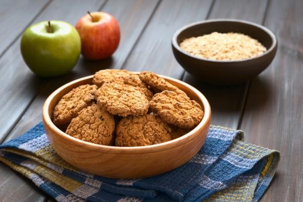 Диетическое овсяное печенье: Как приготовить без муки и сахара