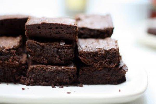Рецепт                  Брауни из черного шоколада от Томми Хилфигера