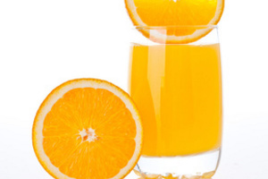 Включение фруктовых соков в диету поможет снизить риск возникновения болезни Альцгеймера