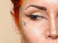 Видео дня: Невероятный макияж из точек