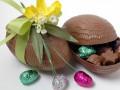 Как приготовить шоколадные пасхальные яйца (видео)