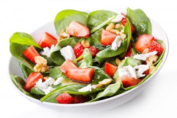 Рецепт                  Рецепты на День Валентина: Салат из клубники с сыром