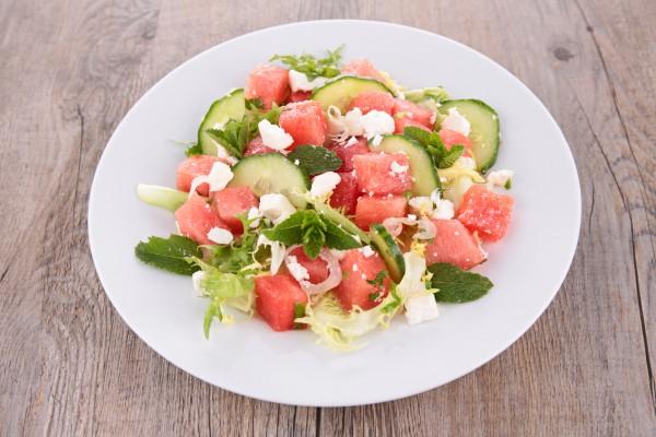 Рецепт                  Салат из арбуза и огурцов