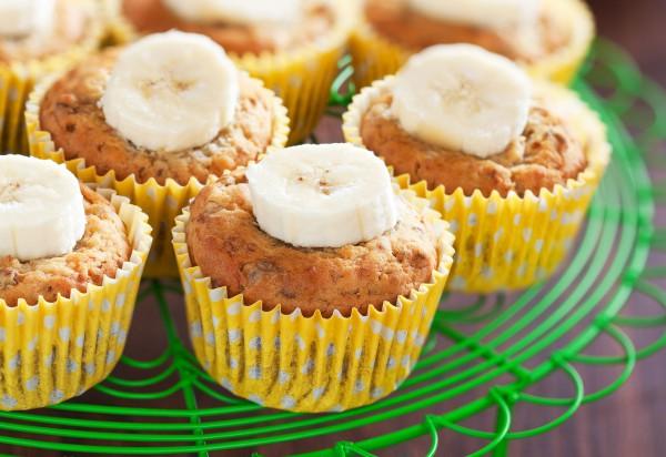 Рецепт                  Банановые маффины с орехами