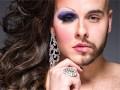 Как мужчины впервые примерили женский макияж