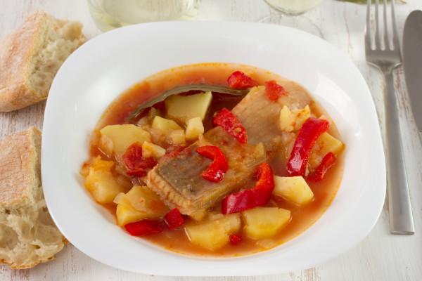 Рецепт                  Тушеная треска с картофелем