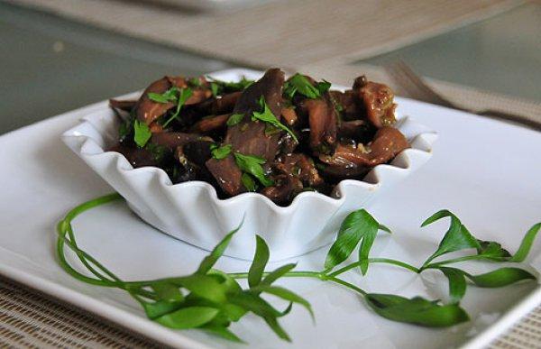 Рецепт                  Салат из баклажанов с чесноком