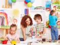Отдавать ли ребенка в детский сад или нет: Мнение психологов (ВИДЕО)