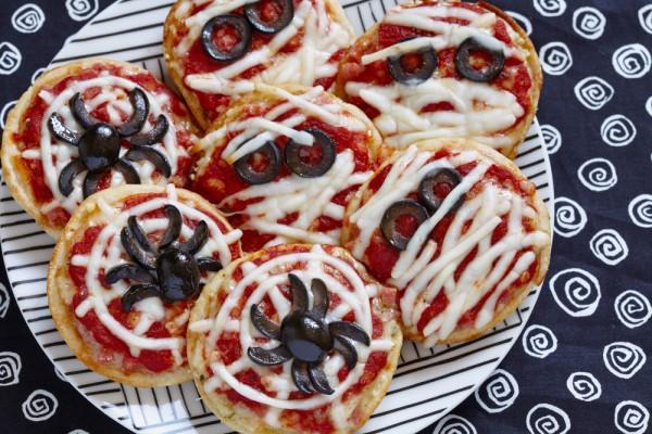 Рецепт                  Пицца Паутинка на Хэллоуин