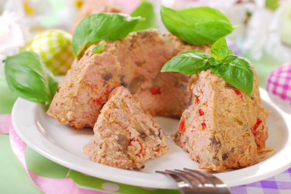 Рецепт                  Мясной рулет с грибами и перцем