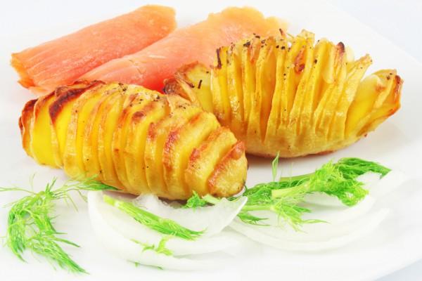 Рецепт                  Картофельные гармошки с чесноком
