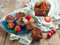 Кексы с клубникой: Три вкусные идеи