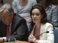 Анджелина Джоли появилась на публике без нижнего белья