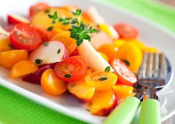 Рецепт                  Салат из персиков с помидорами