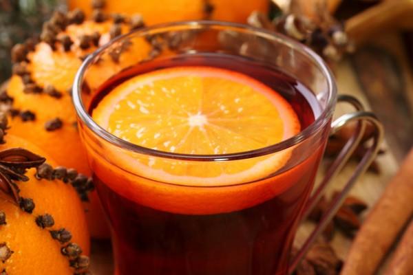 Рецепт                  Горячий коктейль из красного вина с апельсином