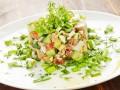 Новогодние рецепты: Салат из печени трески с авокадо