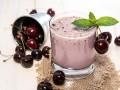 Вишнево-ванильный смузи с йогуртом
