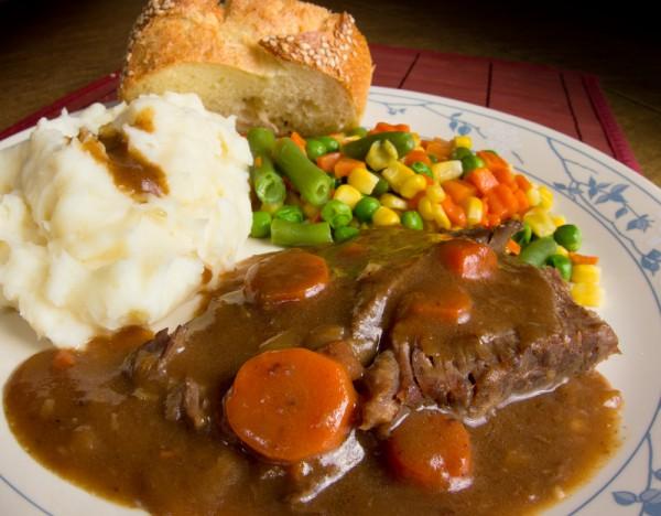 Рецепт                  Мясо в сметанном соусе