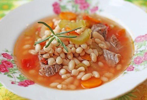 Рецепт                  Фасолевый суп с помидорами