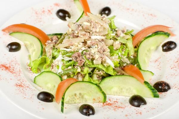 Рецепт                  Салат из тунца к 8 марта