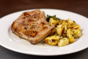 Чтобы отбивные получились сочными, важно выбрать правильный кусок мяса