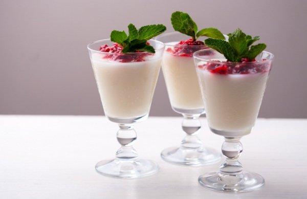 Рецепт                  Диетический десерт: Панна котта с ягодами от Даши Малаховой