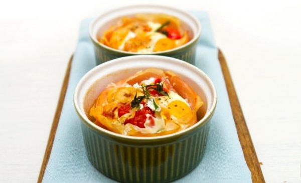 Рецепт                  Яйца, запеченные с помидорами