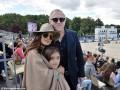 Сальма Хайек с семьей отдыхает в Париже