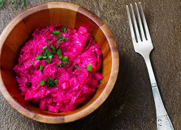 Шведский салат из свеклы и сельди