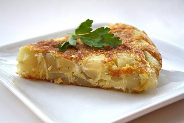 Омлет с картофелем и луком