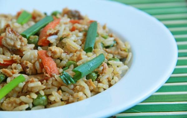 Рецепт                  Китайский жареный рис с курицей и овощами